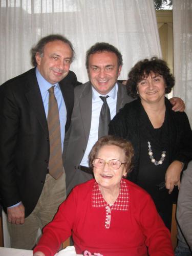 Con i miei fratelli e mamma Luciana