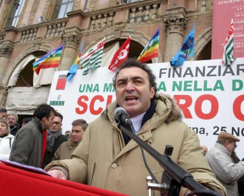 Sciopero in Piazza Maggiore