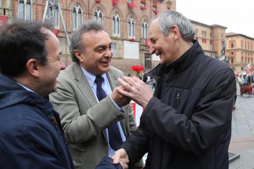 Con Monsignore Zuppi per le disabilità ed il lavoro in Piazza a Bologna
